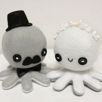 Octopus wedding cake toppers by jaynedanger on Etsy