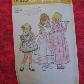 Sale 1970's Simplicity Sewing Pattern, 6686! Size 4, Child, Toddlers, Girls, Aprons, Pinafore, Dresses, Summer and Spring