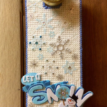 Let it Snow doorknob Hanger plastic canvas