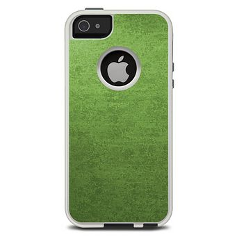 The Grungy Green Surface Skin For The iPhone 5-5s Otterbox Commuter Case