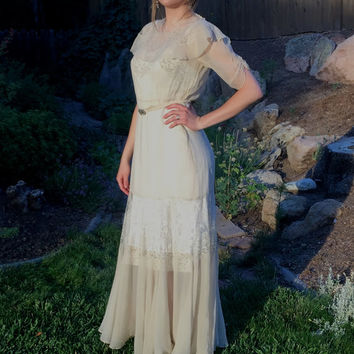 20s Tissue Silk Lace Dress, 1920s Art Deco Dress, Wedding, Downton Abbey, Old Hollywood Glam, Gorgeous Authentic 20s Dress with Fine Lace!