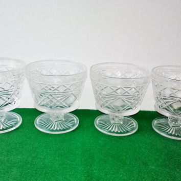 Vintage Hazel Atlas Desert Cups Set 4 Pressed Glass Gothic Diamond Pattern Ice Cream Sherbet Goblets Bar Cart Glasses Kitchen Serving Bowls