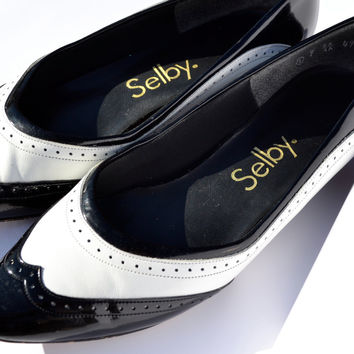 60's Gatsby Spectator Pumps - Black and White Wingtip Oxford Style Mad Men Sexy Twin Peaks Audrey Horne Retro Patent Leather Fashion Shoes
