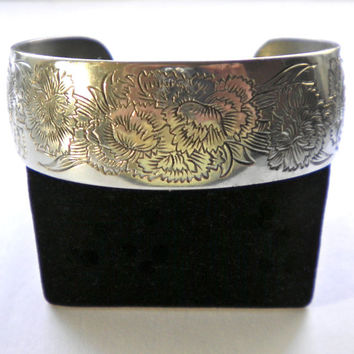 Kirk Stieff USA Pewter Cuff Bracelet January Flower of the Month  Carnation