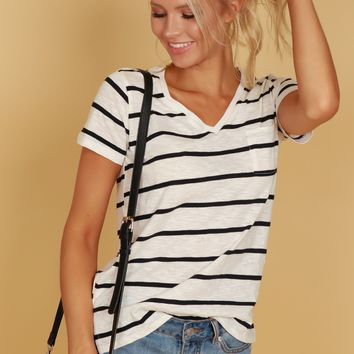 Classic V-Neck Pocket Tee Striped Black/ White