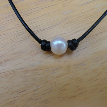 Pearl and black leather necklace-Freshwater pearl choker-leather choker- boho style necklace