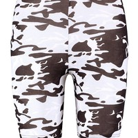 Tall Beth Camo Print Cycling Shorts | Boohoo