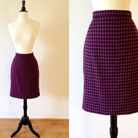 25% OFF SALE // 1980s houndstooth black & magenta pink wool pencil skirt xxs xs