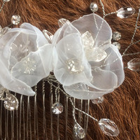 Pearl white wedding flowers - Classy delicate flowers with crystals rhinestones - Handcrafted natural white bridal luxe hair comb fascinator