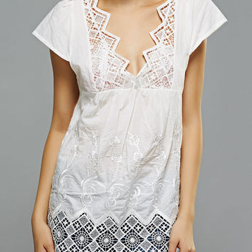 Crochet Spliced Embroidered Openwork Blouse