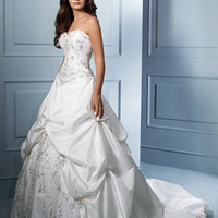 Alfred Angelo Sapphire: Luxe, Unique Bridal Gowns Style 758
