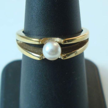 Avon Solitaire Pearl Ring 18K HGE Size 6