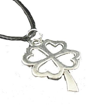 Clover Leaf Small Pendants Leather Necklaces For Women