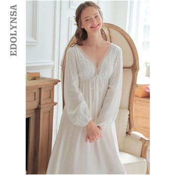 Vintage Sexy Sleepwear Women Cotton Medieval Nightgown White Deep V Neck Backless Princess Night Dress Plus Size lingerie T42