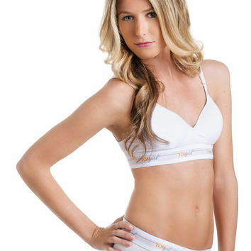 Wireless Push Up Bra in White, B Cup, Bra with VELCRO (R) Brand Closure, Active Wear, Workout Clothing
