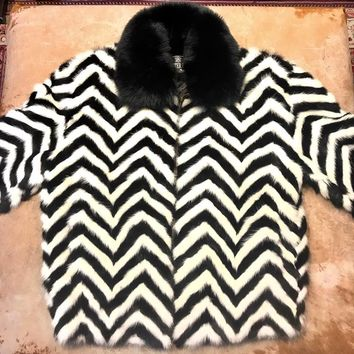 Winter Fur Chevron Black White Mink Tail Fox Collar Fur Coat