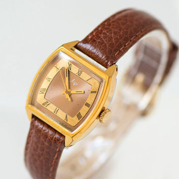 Square lady's watch Ray, gold plated women's watch, copper face woman wristwatch, minimalist women's watch gift, premium leather strap new