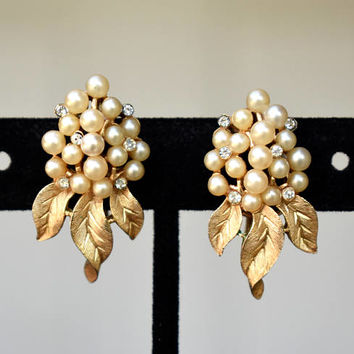 Crown Trifari Pearl Rhinestone Cluster Textured Leaf Earrings Vintage