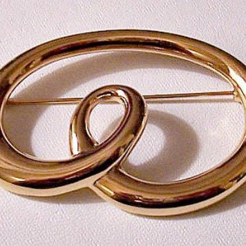 Monet Loop Pin Brooch Gold Tone Vintage Oval Large Swirl Band Ring Polished Round Band