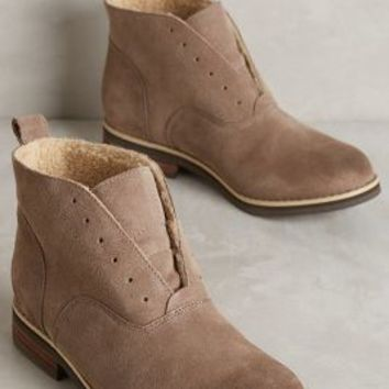 Kelsi Dagger Chelsea Boots in Taupe Size: