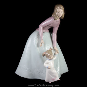 "Nao Lladro 1318 ""First Steps"" Retired Porcelain Figurine Collectors Item"