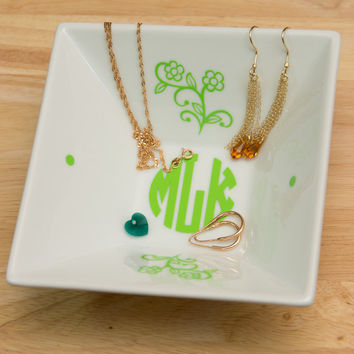 Monogrammed Jewelry Plate with Natural Circle Monogram and Flowers - Accessories Storage Dish with Color Monogram Decal, Wedding gift