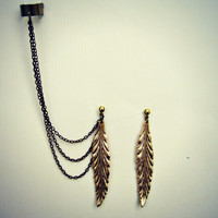 ear cuff with gold feathers, chains ear cuff, feather ear cuff, ear cuff with chains, feather earrings