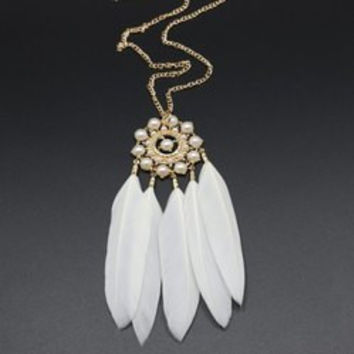 Feather Tassel Faux Pearl Sweater Chain