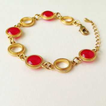 Pink Red Disc Bracelet, Cherry Red Bracelet, Pink Bracelet  with Gold Ring Chain, Pink Red Resin Round Bracelet, Resin Jewelry For Her