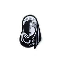 BEAUTY LAPEL PIN