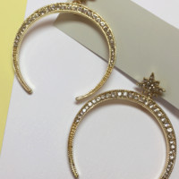 Crescent Moon Earring with Diamante in Gold