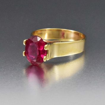 Vintage 3.5 CTW Ruby Solitaire Gold Cocktail Ring