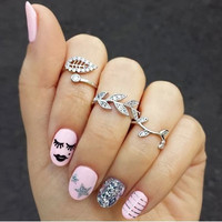 New Retro personality Sign Leaf Punk Crystal Ring For Women Jewelry