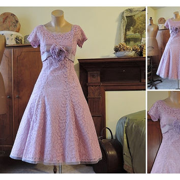 Orchid Lace Suzy Perette Party Dress - fits 34 inch bust - Vintage 1960s - attached crinoline