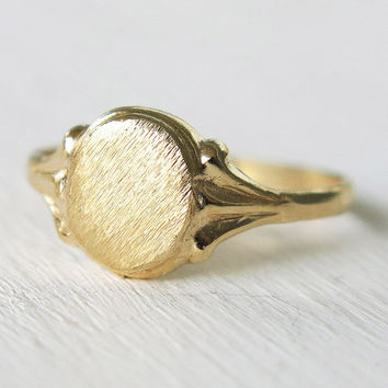 gold ring, signet ring, pinky ring, oval statement ring, stacking ring, gold signet ring, victorian ring, chunky gold ring