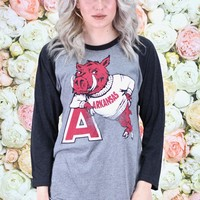 "Vintage Arkansas Hog Leaning on ""A"" Raglan {Vintage Black+H.Grey}"