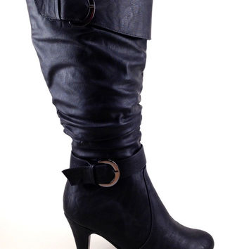 Black Boot with Heel and Buckle Details