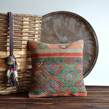 Vintage Tribal Ethnic Kilim Pillow Cover - Handwoven Kilim Pillow Case - Modern Bohemian Home Decor