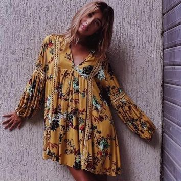Plus Size Summer Holiday Dress 2018 V Neck Hollow Out Lace Patchwork Wildflower Dress Maxi Hippie Elegant Women Casual Vestidos