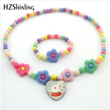 HZShinling Alice in Wonderland Heart Necklace Anime Necklace Mr Bunny Cheshire Cat Alice Jewelry for Children Girls Gifts