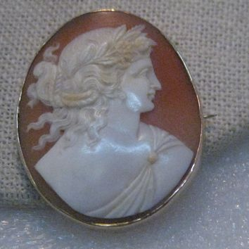 Vintage 10kt Cameo Brooch, Early 1900's, 7.95 grams.  Carved Shell
