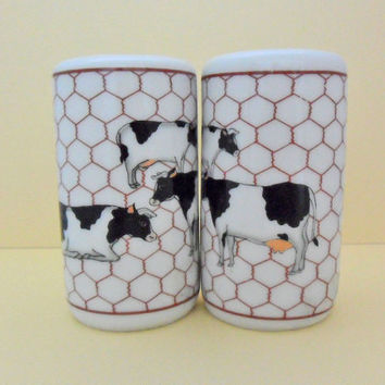 Vintage Cows Salt and Pepper Shakers 70s Takahashi Farm Cow Kitchen Decor
