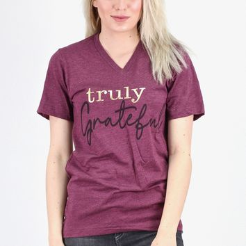 Truly Grateful Graphic V-neck Tee {Maroon}