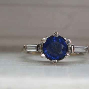 Classic Vintage 1.20 ctw Natural Blue Sapphire Engagement Ring with Baguette Cut Diamonds 18k 750 White Gold Art Deco Alternative Ring