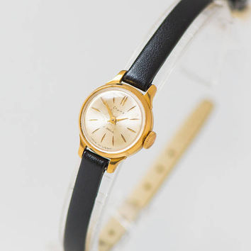 Very small wristwatch vintage, watch for woman Seagull, watch gold plated tiny, women watch classic Xmas gift, new premium leather strap