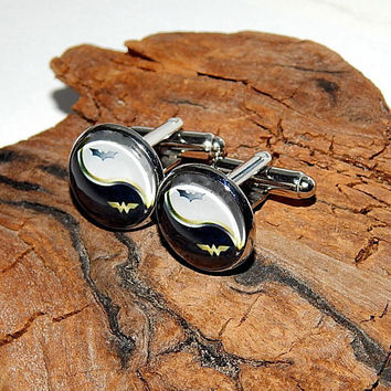 Batman wonder woman logo cufflinks, wonder woman simbol, wonder woman patch, wonder woman emblem, comics cuff links, superhero jewelry