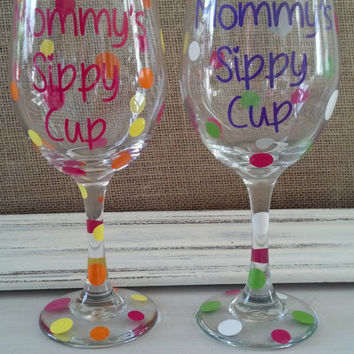 Personalized Mommy's Sippy Cup Wine Glass by TracyKatelyn on Etsy