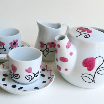 "Childs Tea Set ""Queen of Hearts"""