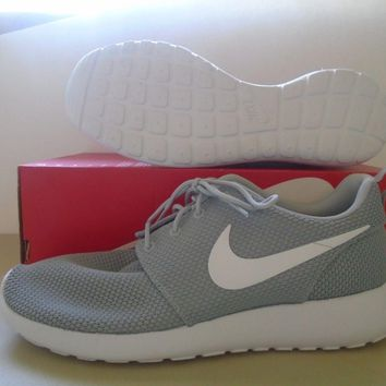 New Nike Roshe One Wolf Grey White Running Shoes Sz 9.5 000025037f9b