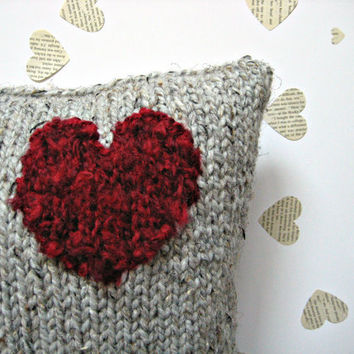 LOVE HEART PILLOW - Knitted cushion home accessory with a fluffy red heart.